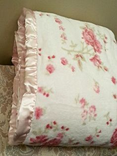 Simply Shabby Chic Pink Rose Full Queen Cozy Blanket Rachel Ashwell