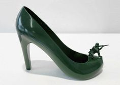 12 scarpe per 12 amanti