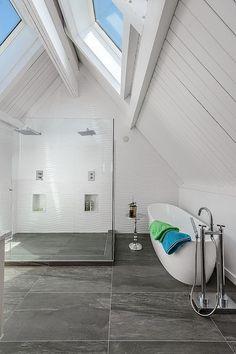 attic bahtroom (15)