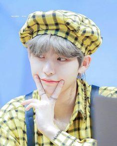 Hwall the boyz Kim Sun, Ash Hair, Chang Min, Never Fall In Love, Fandom, Shining Star, Kpop Boy, Beautiful Moments, Handsome Boys