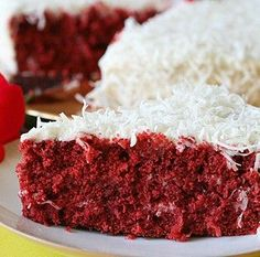 Recipe for Red Velvet Coconut Cake My fav coconut cake and velvet and now combined! Just Desserts, Delicious Desserts, Dessert Recipes, Yummy Food, Cake Recipes, Yummy Recipes, Baking Recipes, Lemon And Coconut Cake, Cake