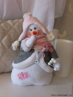 Sewing Christmas Crafts Fun Ideas For 2019 Sock Snowman, Cute Snowman, Snowman Crafts, Christmas Projects, Felt Crafts, Holiday Crafts, Snowmen, Christmas Sewing, Christmas Snowman