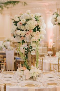 Country Club reception complete with gorgeous floral and touches of gold and blush / www.keelythorne.com / Katie Lamb Photography