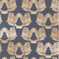 Tuotemerkin Ferm Living tapetin Birds Wallpaper - Dark Green / Off-white - 182 mitat ovat x 10 m. Tapetti Birds Wallpaper - Dark Green / Off-white - 182 kuu Ferm Living Wallpaper, Bird Wallpaper, Mint, Art Deco, Birds, Retro, Dark, Green, Gold