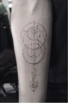 Elegant Fine Line Geometric Tattoos by Dr. Woo | Tattoo Inspiration #tattoo #geometric #drwoo