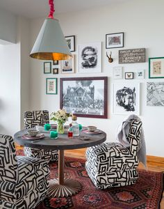 black and white graphic patterned chairs // dining rooms