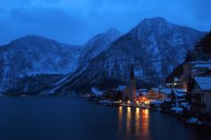 Hallstatt, the small town, is located in Austria. This one is one of da best choice for love couples.