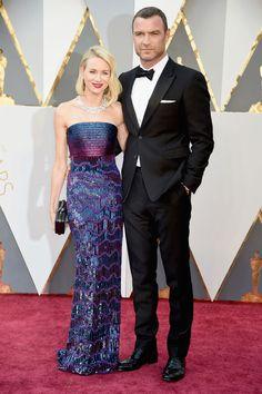 Naomi Watts en Armani et Liev Schreiber aux Oscars 2016