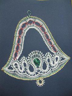 Bobbin Lace Patterns, Crochet Patterns, Lacemaking, Lace Heart, Lace Jewelry, Simple Art, Lace Detail, Tatting, Crochet Earrings