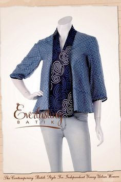 Best ideas for sewing clothes women dresses tunic tops Batik Blazer, Blouse Batik, Batik Dress, Sewing Clothes Women, Dress Clothes For Women, Batik Kebaya, Batik Fashion, Simple Dresses, Traditional Dresses