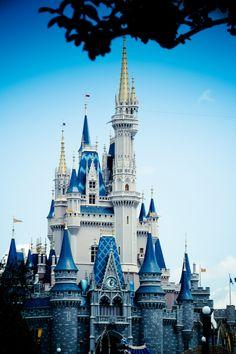 e Disney Castle Disney And More, Disney Love, Disney Dream, Disney Stuff, Disney Magic, Disney Parks, Walt Disney World, Wonderful Places, Beautiful Places