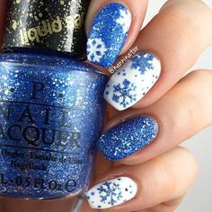 ❄️Have you dug out yet!? What a snow storm! This lovely mani by @hanninator_  is just gorgeous.❄️ - Snowflake Nail Decals (used as stencils) snailvinyls.com