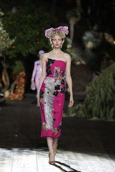 Dolce & Gabbana Alta Moda Haute Couture Fall Winter 2015-2016 :: The Wonderful World of Fashion
