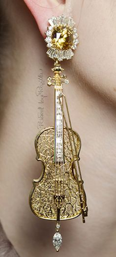 Regilla ⚜ Una Fiorentina in California Violin earrings