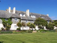 View deals for Renvyle House Hotel. Guests praise the beach locale. Renvyle Beach is minutes away. Breakfast, WiFi, and parking are free at this hotel. Galway Ireland, Ireland Travel, Places To See, Places Ive Been, Connemara, Hotel S, Italy, Mansions, Irish