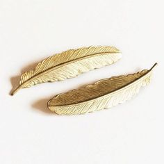 elegant gold feathers hair pins set by fancypop on Etsy Clark Kent, Overwatch, Gold Aesthetic, Apollo Aesthetic, Athena Aesthetic, Angel Aesthetic, Hawke Dragon Age, Artemis, Jace Lightwood