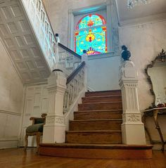 There seems to be quite a bit of confusion in regards to my latest post🧐. This is a CURRENT photo of our staircase. I DID NOT put carpet… Confusion, Old Houses, Carpet, Old Homes, Old Mansions, Blankets, Rug, Rugs