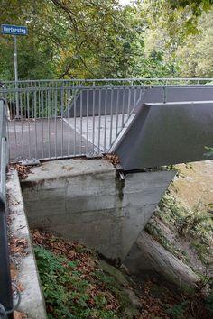 Hertersteg est un pont en poutre et passerelle pour vélos et piétons. Le projet est situé à/en Zürich, Zurich, Suisse, Europe.