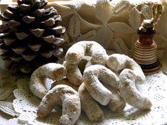 Fursecuri cu nuci Eat Dessert First, Macarons, Stuffed Mushrooms, Deserts, Sweets, Vegetables, Blog, Stuff Mushrooms, Good Stocking Stuffers