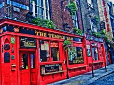 Here are 5 fun things to do in Dublin, from pub crawl and the Guinness Storehouse to shopping, nightlife, sightseeing and outdoor activities.
