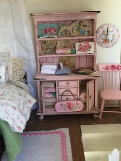 Hunting for baby doll holds for kids? You'll find that we have an excellent range of wonderful child's toy buildings. Pink Dollhouse, Dollhouse Miniatures, Toddler Dolls, Reborn Baby Dolls, Distressed Furniture, Shabby Chic Furniture, Painted Furniture, Shabby Vintage, Vintage Quilts