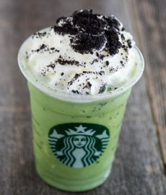 35 secret Starbucks drinks you didn't know you could order AND it tells you how to order them!!!!!