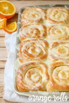 One of our favorite morning treats! A sweet roll recipe made with an orange filling and an irresistible lemon glaze. Everyone loves these delicious Orange Rolls! Sweet Roll Recipe, Orange Rolls, Orange Cinnamon Rolls, Breakfast Recipes, Dessert Recipes, Healthy Desserts, Brunch, Gula, Rolls Recipe