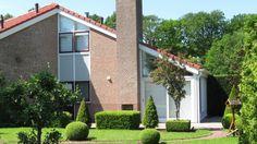 """Het Hart van Drenthe Bungalowpark  Midden in boswachterij """"Hart van Drenthe"""" bevindt zich, aan het Oranjekanaal, Bungalowpark Het Hart van Drenthe; een kleinschalig maar ruim opgezet bungalowpark met geschakelde en vrijstaande bungalows."""