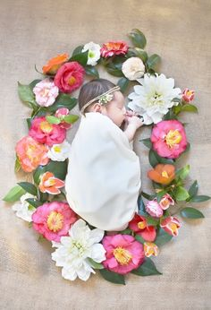 Newborn portraits by Mai Moment Photography  Based in Mobile, Alabama  Servicing: Mobile, Daphne, Fairhope, Spanish Fort, New Orleans and surrounding areas