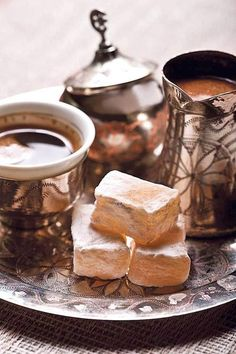 Turkish coffee recipe in six step detailed guidance. Coffee brands making best Turkish coffee recipe. I Love Coffee, Coffee Break, My Coffee, Morning Coffee, Night Coffee, Coffee Plant, Coffee Girl, Turkish Coffee Set, Turkish Tea