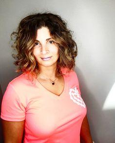 V Neck, T Shirts For Women, Hair, Color, Tops, Fashion, Moda, La Mode, Shell Tops