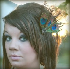 Peacock feather hair clip with multicolored stone flower button-theIngrid