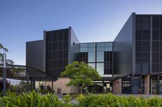 AUSTRALIAN CATHOLIC UNIVERSITY INTERLOCKING CASSETTE PANELS ALUMINIUM Catholic University, Learn Art, Cladding, Multi Story Building, Exterior, Mansions, House Styles, Home, Design