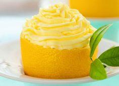 Cupcake de/no limão siciliano. #inspiration #inspiração #cozinha #kitchen #limao #lemon #cupcake #yellow #amarelo #cores #colors #summer #verao #100porcentovc