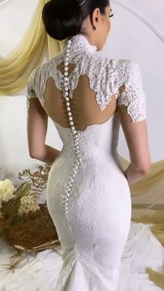 Extravagant Wedding Dresses, Plain Wedding Dress, Wedding Dress Bustle, Classy Wedding Dress, Bridal Outfits, Bridal Dresses, African Traditional Wedding Dress, Best African Dresses, Gowns Of Elegance