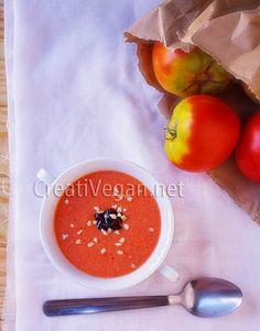 Sopas frías veraniegas para refrescarse y nutrirse | Gastronomía Vegana