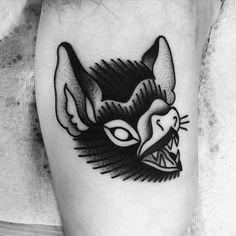 From a flash sheet from 2015. De un flash de antes, gracias Gerardo! Bad Tattoos, Time Tattoos, Body Art Tattoos, Sleeve Tattoos, Traditional Tattoo Halloween, Icarus Tattoo, Traditional Tattoo Inspiration, Vampire Tattoo, Horror