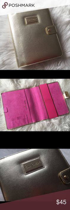Lilly Pulitzer Gold Large Agenda Folio Brand new Lilly Pulitzer Gold Agenda folio. Made to fit your large planner (flamingo planner not included! But it is listed on my page). Perfect condition! Pink velvet inside with pockets and pen holder and metal closure on the outside. Check out my page for other items to bundle this gorgeous folio with! Lilly Pulitzer Other