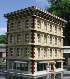http://www.brickshelf.com/gallery/J-2/TCLTC/Buildings/tanbuilding2.jpg