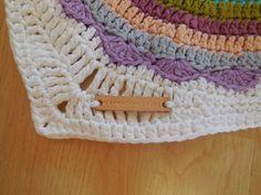Winks Mandalas Blanket a free pattern from A Spoonful of Yarn Blog Crochet, Crochet Mandala Pattern, Free Pattern, Tapestry, Blanket, Color, Design, Bed Covers, Patterns