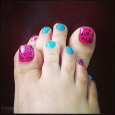 Leopard pink and blue pedi