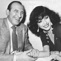 Actress Joan Collins with Actor Leonard Rossiter During Dinner at the Neal Street Restaurant Photographic Print Leonard Rossiter, Dame Joan Collins, Restaurant Poster, Rule Britannia, Positive People, National Treasure, Budget Fashion, Me Tv, Cool Posters
