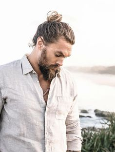 Jason Momoa man bun is very much famous and makes all men very handsome, good looking and ofcourse very ,uch hot and sexy. Jason Momoa Aquaman, Man Bun Styles, Man Bun Hairstyles, My Sun And Stars, Gorgeous Men, Beautiful, Haircuts For Men, Sexy Men, How To Look Better