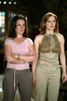 Serie Charmed, Charmed Tv Show, Holly Marie Combs, Rose Mcgowan, Kaley Cuoco, Alyssa Milano Charmed, Charmed Sisters, Piper Charmed, Repetto