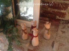 Christmas Mouse #322 ~ rabbit hill primitives (c)