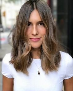 me gusta, 20 comentarios - anara by ana lerida ( Hair Day, New Hair, Pelo Midi, Medium Hair Styles, Curly Hair Styles, Hair Shrinkage, Lob Haircut, Midi Haircut, Brunette Hair