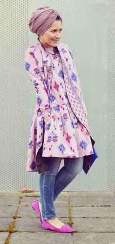 Love the top but I'd wear with hijab and skirt.