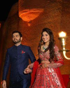 Wedding Dresses Men Indian, Indian Wedding Photos, Wedding Dress Men, Indian Bridal Outfits, Indian Bridal Fashion, Indian Fashion Dresses, Dress Indian Style, Indian Designer Outfits, Wedding Attire