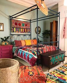Bohemian Bedroom Decor And Bed Design Ideas , nice like it naked Nita sounds goo. Diy Home Decor Bedroom For Teens, Diy Home Decor Rustic, Bedroom Ideas, Bedroom Designs, Bohemian Room, Bohemian Bedroom Decor, Hippie Bohemian, Bohemian Style, Boho Chic