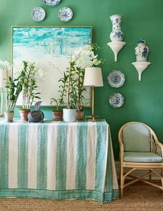 Living the Well Appointed Life with Melissa Hawks Green And White Bedroom, Green Rooms, White Rooms, Blue And White, Gracie Wallpaper, Mark Sikes, Vert Turquoise, Coastal Living Rooms, Style Deco
